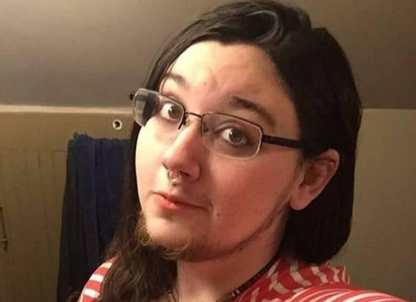 A jovem americana Klyde Warren, 27, foi classificada como 'nojenta' diversas vezes, principalmente em aplicativos de namoro, por se recusar a depilar seus abundantes pelos faciais. No entanto, ela não desistiu de buscar o cara certo, que a aceitará do jeito que é, sem querer mudá-la