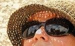 mulher, protetor solar, chapeu, oculos, verao