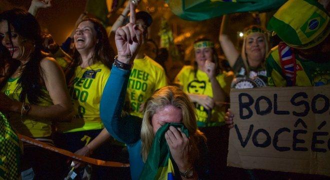 """Power: """"Nunca houve uma pessoa menos controlada por marqueteiros do que Bolsonaro'"""