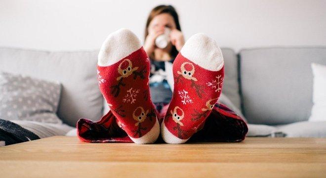 Torne os ambientes leves e confortáveis, mantendo a limpeza e um bom aroma no ar. Use roupas confortáveis e aproveite o tempo para aprender coisas novas.