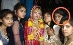 Uma noiva morreu durante aprópria cerimônia de casamentoe o noivo decidiu casar com a irmã dela após ambas as famílias decidirem que as festividades não deveriam parar