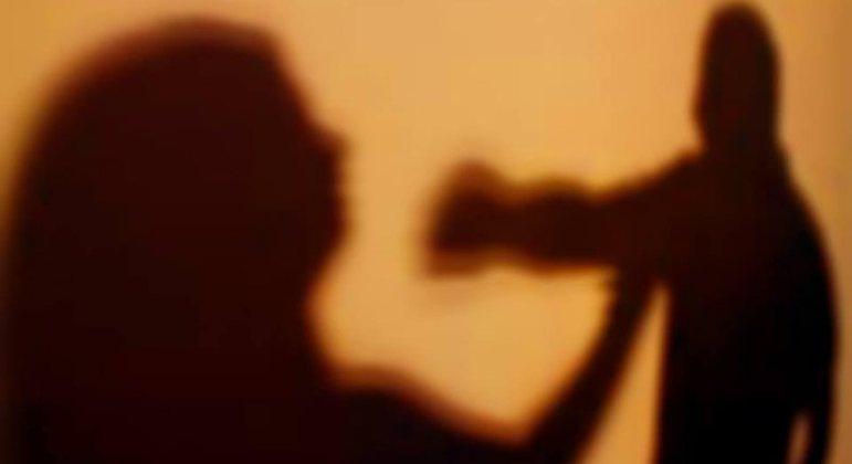 Mulheres vítimas de agressão poderão ser informadas quando o agressor for solto