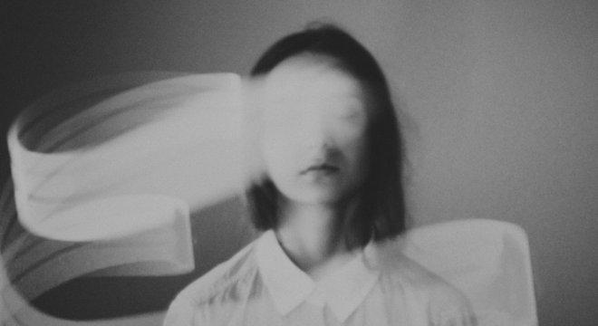 As drogas psicodélicas afetam nossa noção de identidade, diz Pollan