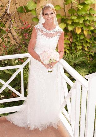 Em 2018, o casal reservou um resort de luxo na República Dominicana para que pudesse renovar os votos, e Louise pôde finalmente usar o vestido dos seus sonhos