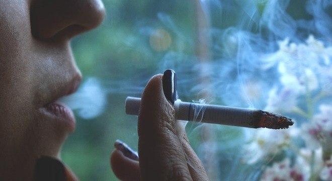 Cerca de 12,6% das mortes que ocorrem no paí são atribuídas ao cigarro