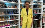 Já adulta e seguindo a carreira de advogada, teve a oportunidade de realizar o sonho de ter calçados de grife. O closet reúne 110 pares dos mais variados modelos