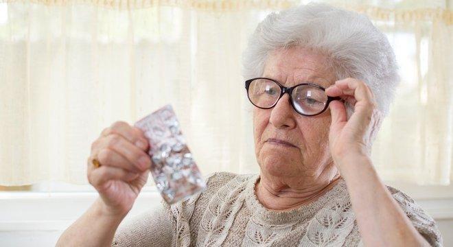 Segundo a pesquisa, feita nos EUA e na Austrália, não há nenhum benefício em tomar aspirina todo dia se você é saudável e não sofreu derrame ou ataque cardíaco