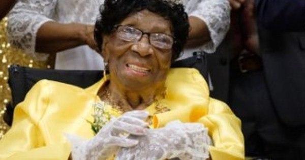 Mulher mais velha dos EUA faz 114 anos e ganha homenagens