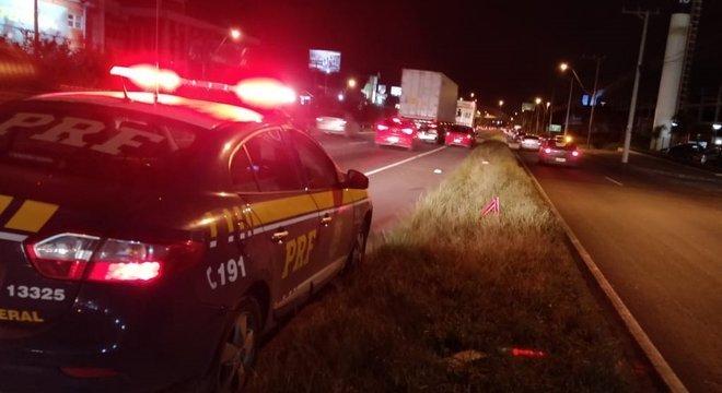 Mulher morre atropelada na BR 116, em São Leopoldo Crédito: Polícia Rodoviária Federal / Divulgação / CP