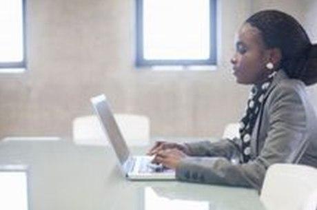 Outra pesquisa, com mulheres negras, evidencia como fardo financeiro se converte em psicológico