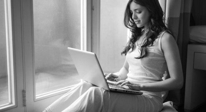 No velório online, é fornecida uma senha para acompanhamento à distância