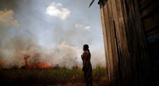 Paralisação no trabalho dos brigadistas ocorre em meio a uma das piores ondas de incêndios florestais já enfrentadas pelo país