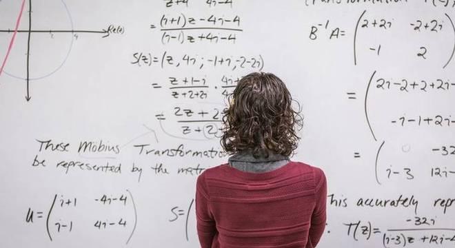 """""""As pessoas acham que matemático gosta de fazer conta rápido, mas é mentira. Isso acontece só na sala de aula"""""""