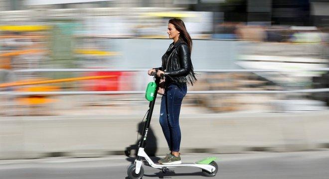 Os patinetes elétricos ou e-scooters estão se tornando populares em vários países e também já operam no Brasil