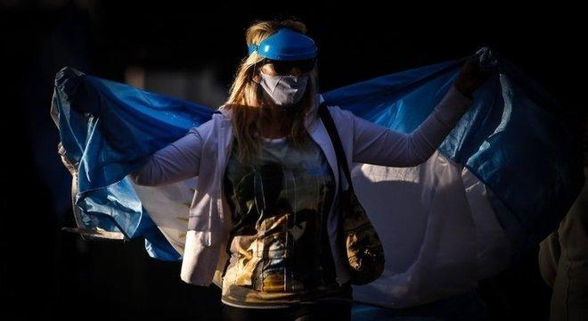 Argentinos foram às ruas para protestar contra o presidente e a quarentena