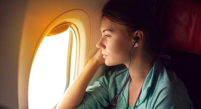 Um dos maiores problemas da aviação é que ela não emite apenas CO2, mas outros gases de efeito estufa