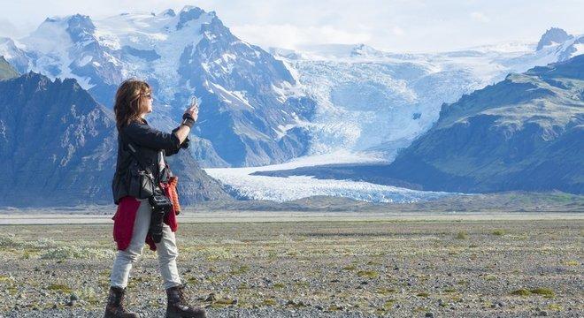 Belas paisagens islandesas atraem visitantes, mas população tem se queixado de determinados comportamentos
