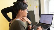 Projeto dá formação profissional em TI para jovens de baixa renda