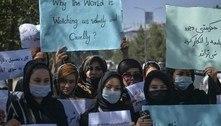 Mulheres voltam ao trabalho no aeroporto de Cabul