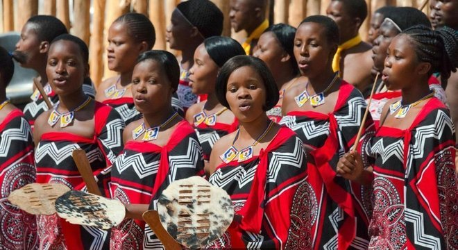 Celebrar a herança cultural nacional também é uma parte importante da vida em eSwatini