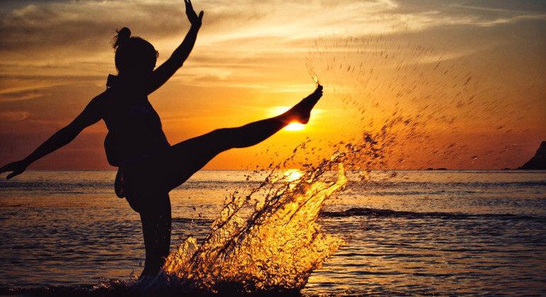 """Empoderamento significa """"ação de se tornar poderoso, de passar a possuir poder sobre"""""""