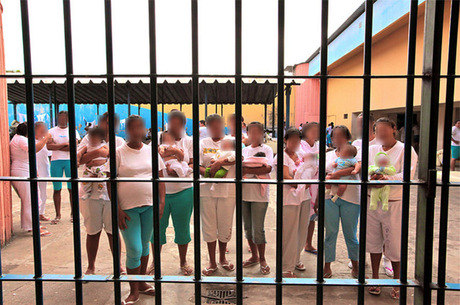 STJ concede prisão domiciliar para grávida condenada por tráfico