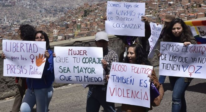 Manifestações contra a violência de gênero são frequentes na Bolívia