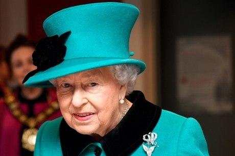Rainha Elizabeth manda mensagem às vítimas