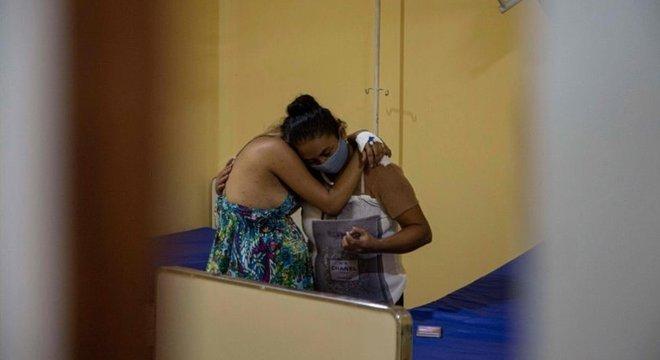 Pandemia está crescendo no interior, onde faltam profissionais de saúde e equipamentos