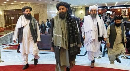 Baradar vai negociar por governo inclusivo em Cabul