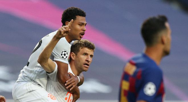 Müller marcou dois gols na vitória encantadora do Bayern sobre o Barcelona