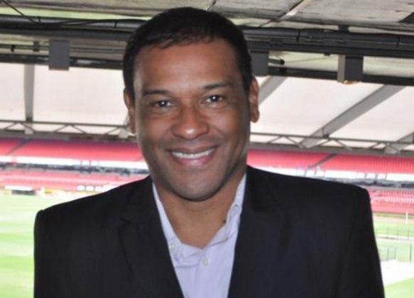 MULLER - Encerrou sua vitoriosa carreira como atleta em 2004, foi pastor e hoje atua como comentarista. Está na TV Gazeta.