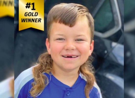 Jax, do Texas, de 8 anos, ganhou o primeiro prêmio no Campeonato Infantil Mullet de 2020