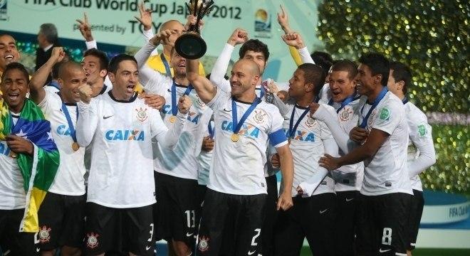 Juiz determina a penhora da Taça do Mundial da Fifa de 2012