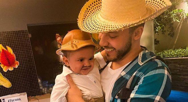 Murilo Huff com o filho, Leo, fruto do relacionamento com Marília Mendonça
