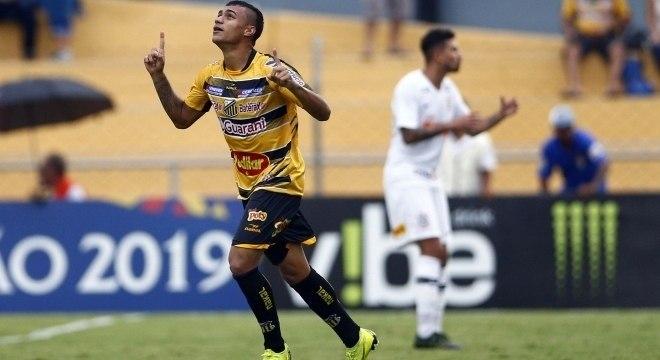 Murilo comemora o único gol do jogo Corinthians e Novorizontino