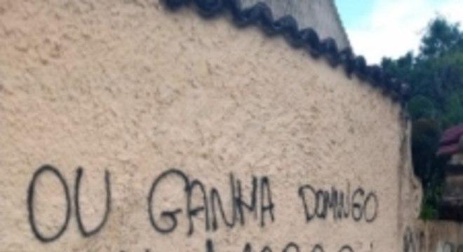 Muros pichados - Botafogo