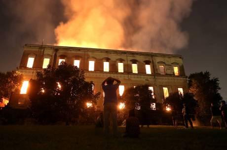 Gréci, Índia, Rússia e EUA já tiveram incêndios em museus