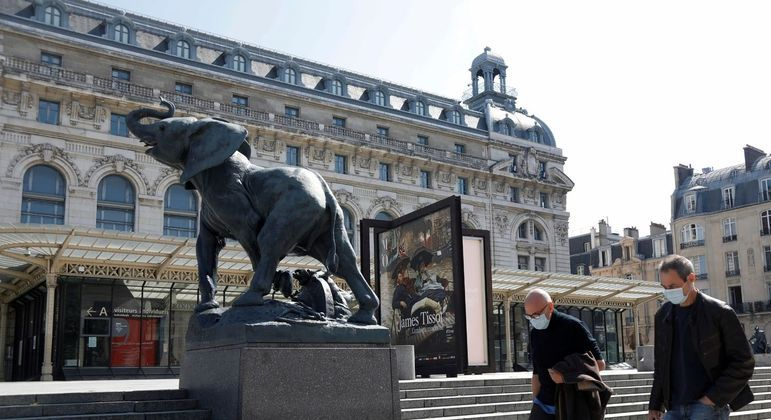 França libera reabertura de museus