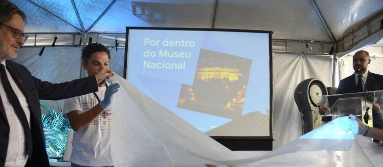Pesquisas acadêmicas continuam, no museu mesmo após o incêndio