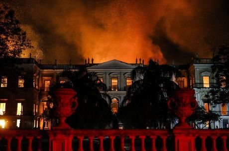 Incêndio ao Museu Nacional durou cerca de seis horas