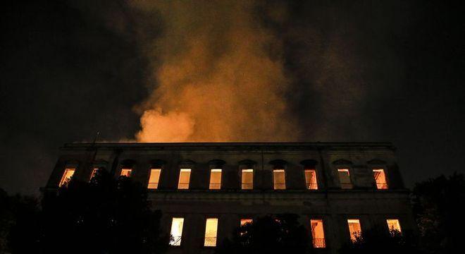Com o incêndio, muitas peças históricas foram destruídas