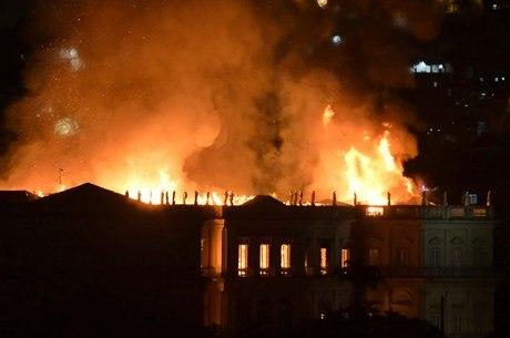 Museu pegou fogo na noite de domingo