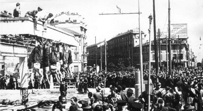 Mussolini, Petacci e outros fascistas, dependurados na Piazza Loreto