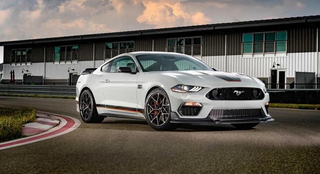 O novo esportivo chegará com um V8 de 475cv e o mesmo torque da versão anterior.