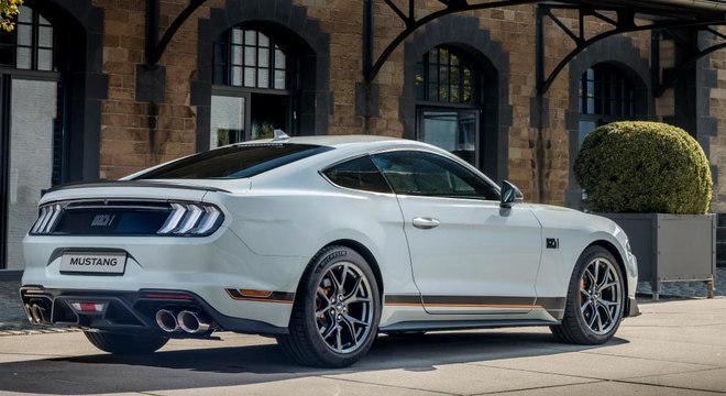 Por aqui o Mustang Mach 1 terá câmbio automático de 10 velocidades