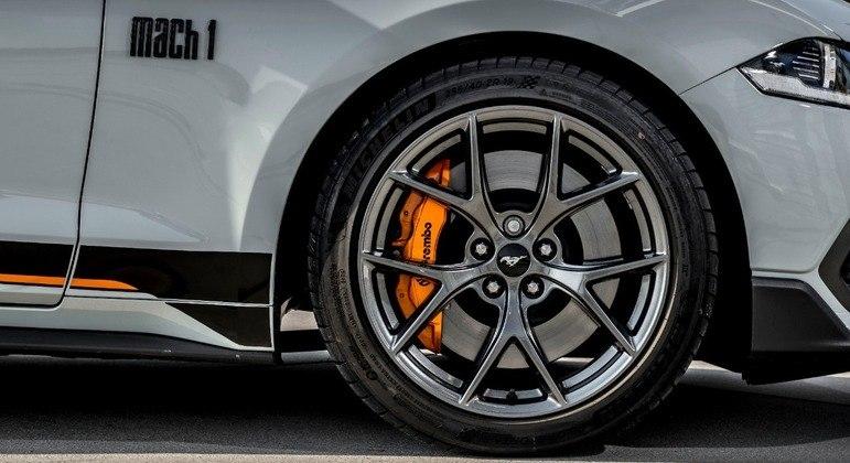 Modelo tem motor V8 mais forte em relação ao GT e Black Shadow
