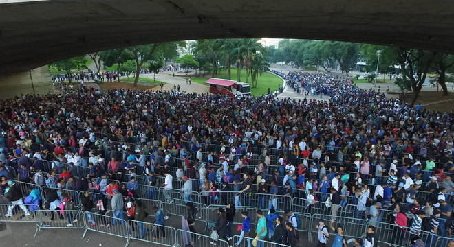 Mutirão realizado em março, no centro de São Paulo, atraiu 15 mil candidatos