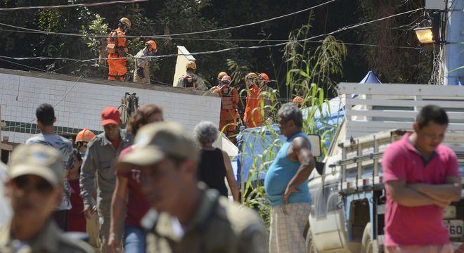 Bombeiros encontram corpo da última pessoa desaparecida em Muzema