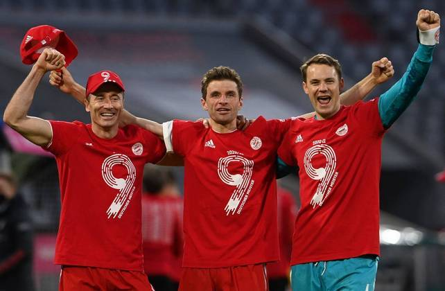 Na Alemanha, o Bayern de Munique conquistou o título com duas rodadas de antecedência e garantiu o nono título consecutivo, sendo o trigésimo em sua história.